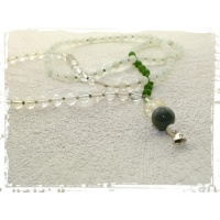 fresh_breeze_1_mala_108_perlen_mint_wei_grn